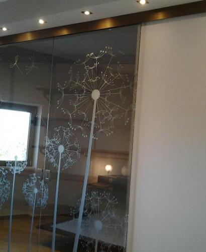 Поделки из зеркала и стекла 12